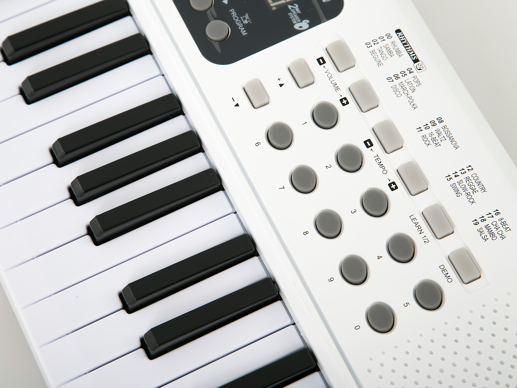 how to play music through mic input